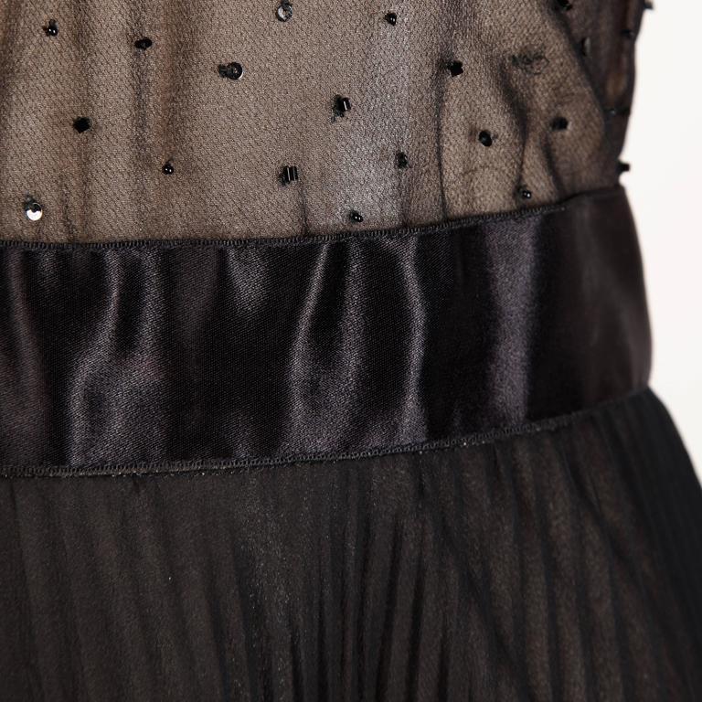 Oscar de la Renta Vintage Black Silk Beaded Dress with Pleated Skirt For Sale 4