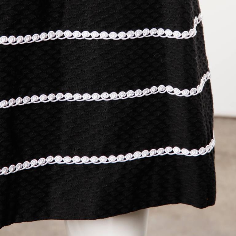 1960s Oscar de la Renta Vintage Black + White Dress + Wrap Ensemble For Sale 3