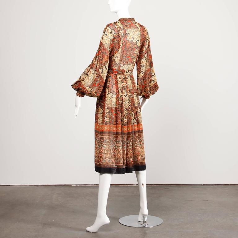 1970s Vintage Jean Varon Indian Paisley Print Dress with Balloon Sleeves 3