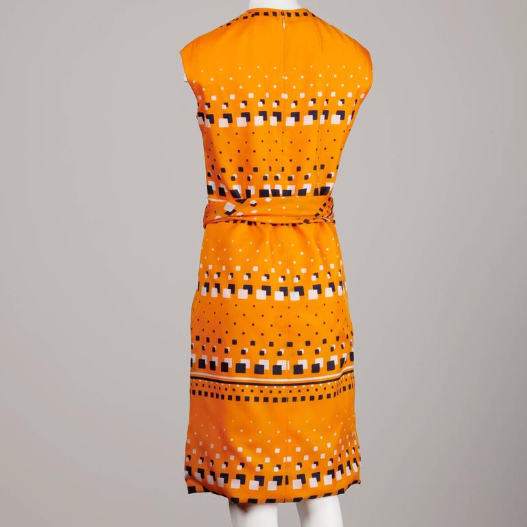 Adele Simpson 1960s Vintage Orange Mod Geometric Print Dress In Excellent Condition For Sale In Sparks, NV