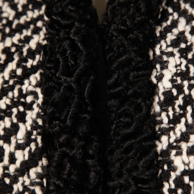 Ben Zuckerman 1960s Vintage Wool Tweed Jacket with Persian Lamb Fur Trim For Sale 2