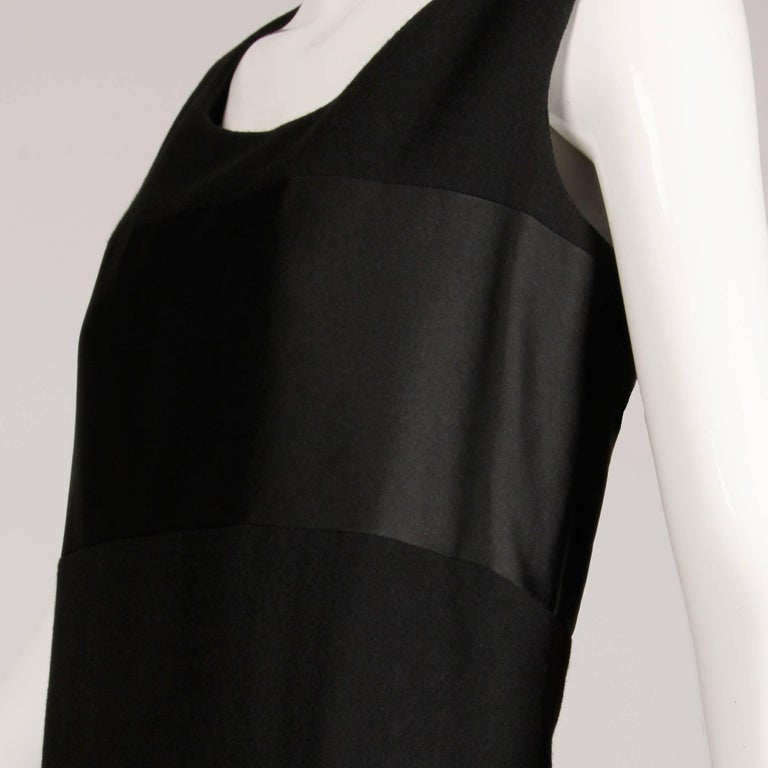 1960s Geoffrey Beene Vintage Black Wool + Silk Fabric Block Mod Shift Dress For Sale 1