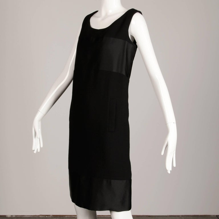 1960s Geoffrey Beene Vintage Black Wool + Silk Fabric Block Mod Shift Dress In Excellent Condition For Sale In Sparks, NV