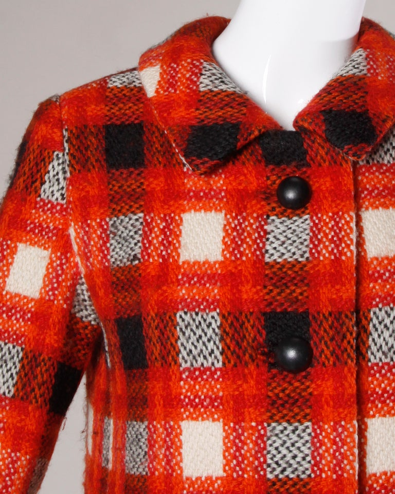Donald Brooks 1960s Vintage Plaid Wool Jacket with Leather Bobble Buttons In Excellent Condition For Sale In Sparks, NV