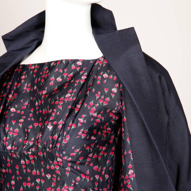 1960s Vintage Floral Print Silk Sheath Dress and Coat 2-Piece Ensemble For Sale 3