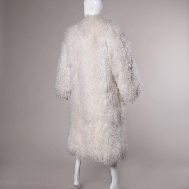 1970s Vintage White Shaggy Mongolian Lamb Fur Full-Length Coat In Excellent Condition For Sale In Sparks, NV