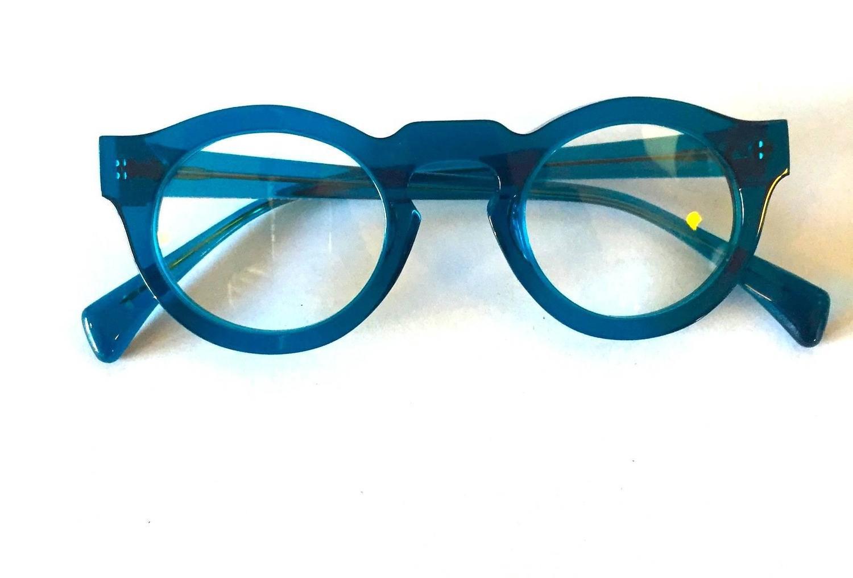 Eyeglass Frames Keyhole Bridge : Neo-Vintage Eyewear by Jacques Durand - Classic Keyhole ...