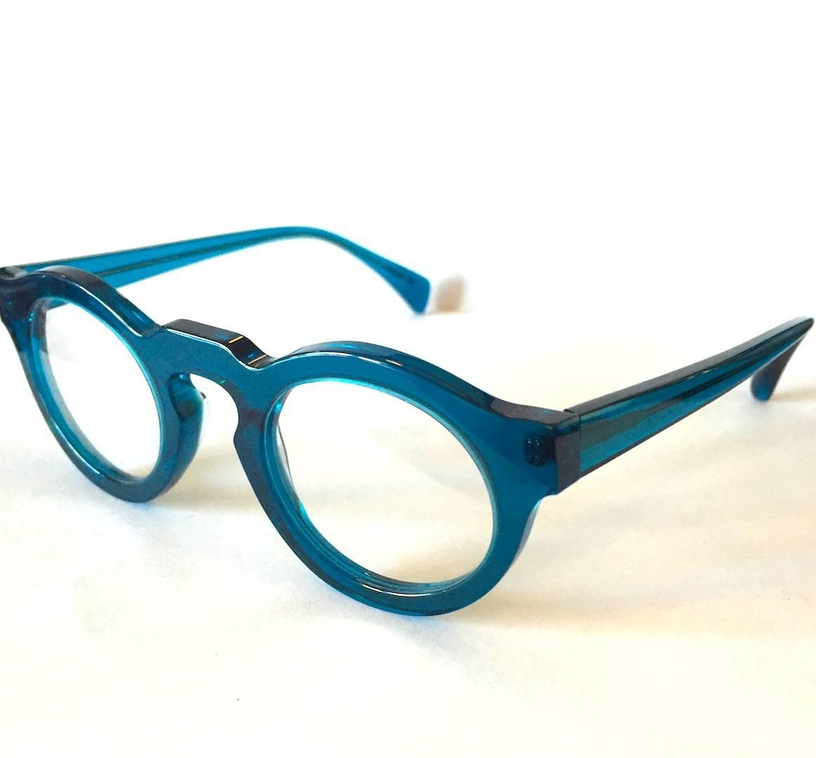 Glasses Frames Bridge Size : Neo-Vintage Eyewear by Jacques Durand - Classic Keyhole ...