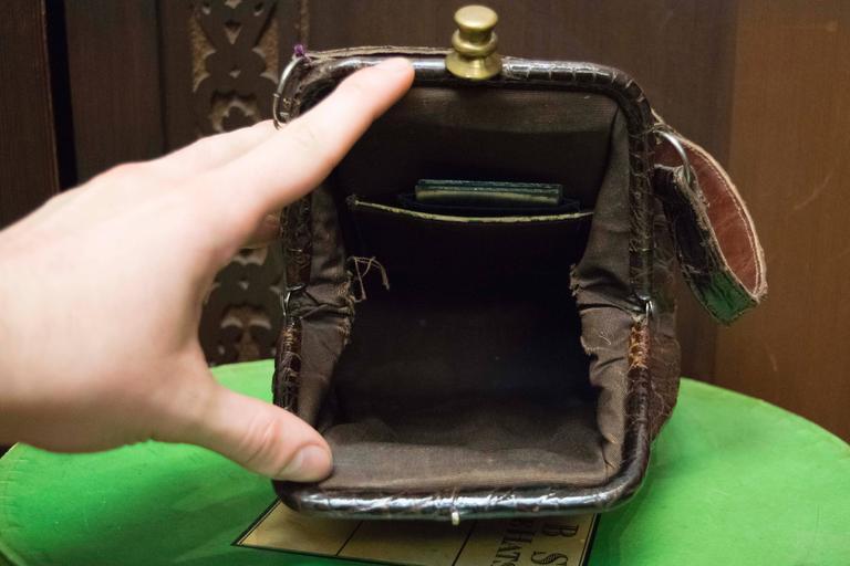Women's 1940s Brown Alligator Beggar Bag