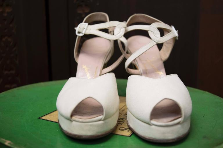 1940s White Suede Platform Shoes 3