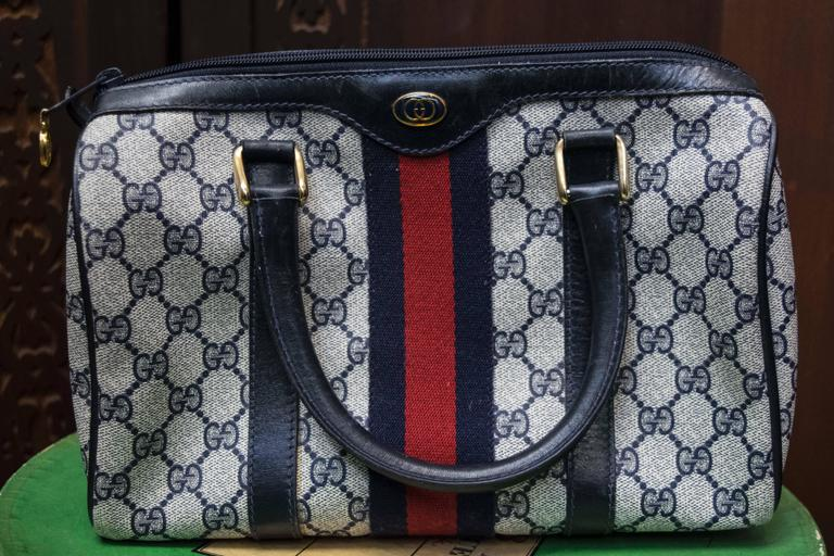 5716d79f93f172 Gucci GG Speedy Boston Monogram Doctors Bag The exterior of the bag is in  great the