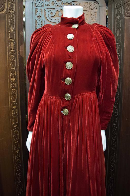 1930s Red Velvet Opera Coat  In Excellent Condition For Sale In San Francisco, CA