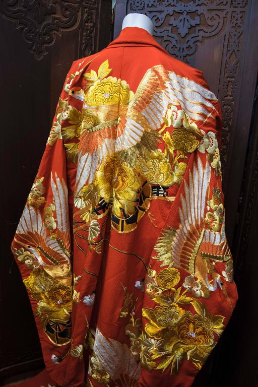 Women's or Men's Red and Gold Ceremonial Kimono For Sale