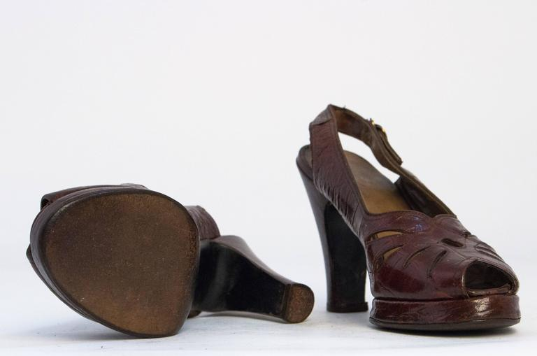 Black 40s Sienna Brown Peep Toe Platforms with Cutouts Size 6 For Sale