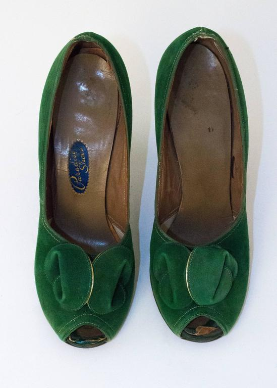 30s Paradise Shoes Green suede Heel. Measures 9inches long from heel to toe.