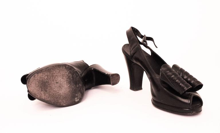 40s Black Slingback Heel with Oversized Bow In Good Condition For Sale In San Francisco, CA