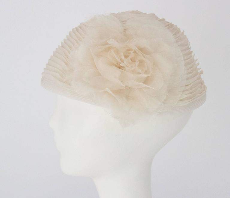 50s White Organza & Horsehair Hat with Flower Adornment. Very light weight.  Measurements: Interior Circumference: 21 1/2 inches