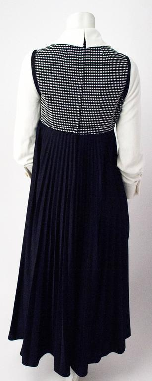 70s Black and White Empire Dress with Bishop Sleeves In Excellent Condition For Sale In San Francisco, CA