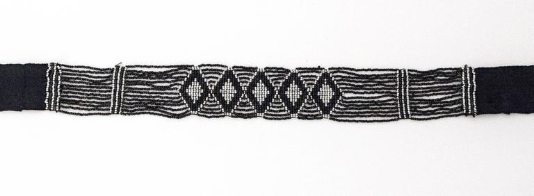 20s Tribal Hand Beaded Choker In Excellent Condition For Sale In San Francisco, CA