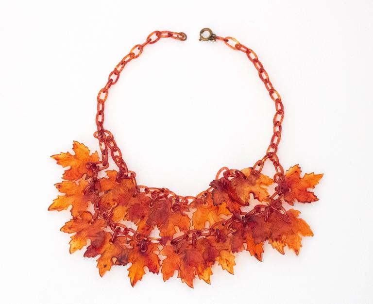 30s Maple Leaf Bakelite Necklace 2