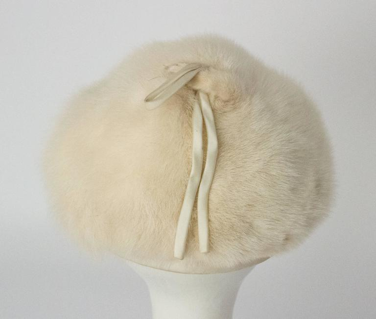Women's 50s White Mink Cone Hat For Sale