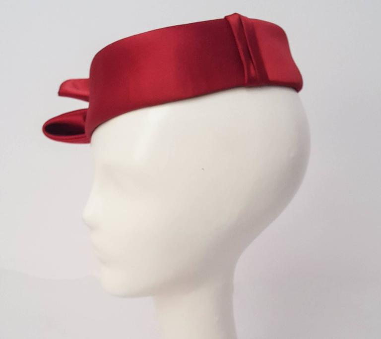Women's or Men's 50s Cranberry Satin Bow Pill Box Fashion Hat For Sale