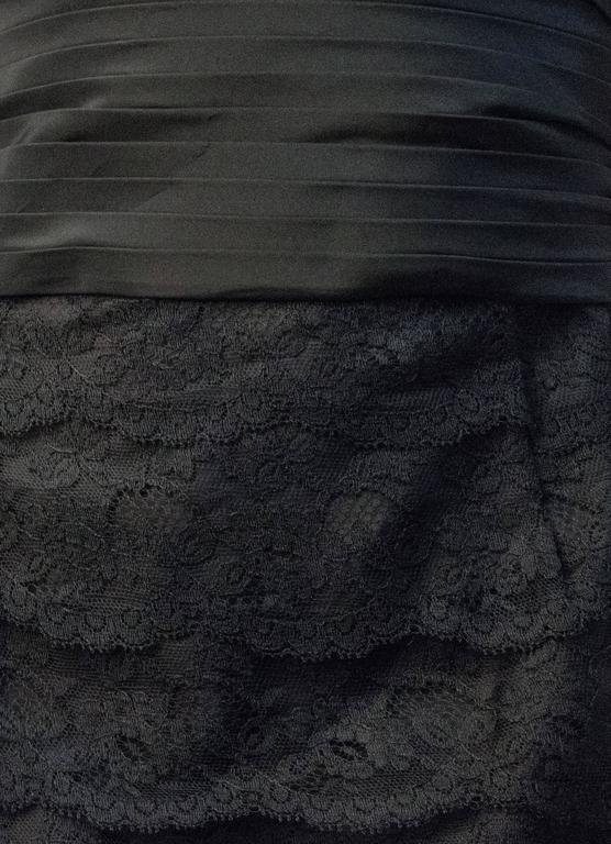50s Black Lace Tiered Dress with Back Bow  In Good Condition For Sale In San Francisco, CA