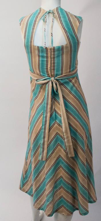 70s Halter Tieback Chevron Summer Dress In Excellent Condition For Sale In San Francisco, CA