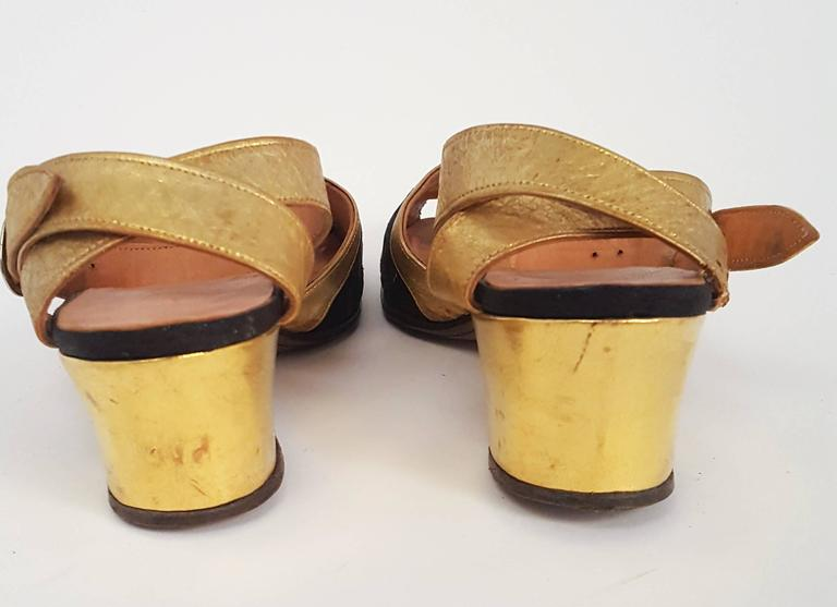 1930s Gold and Brocade Sandals  In Excellent Condition For Sale In San Francisco, CA