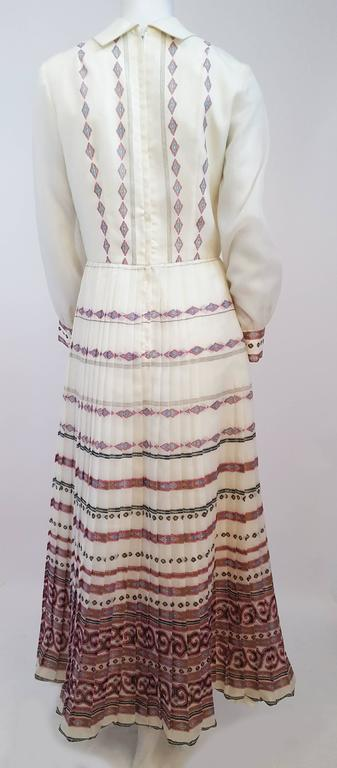 Gray 70s Shaheen Print White Maxi Dress For Sale