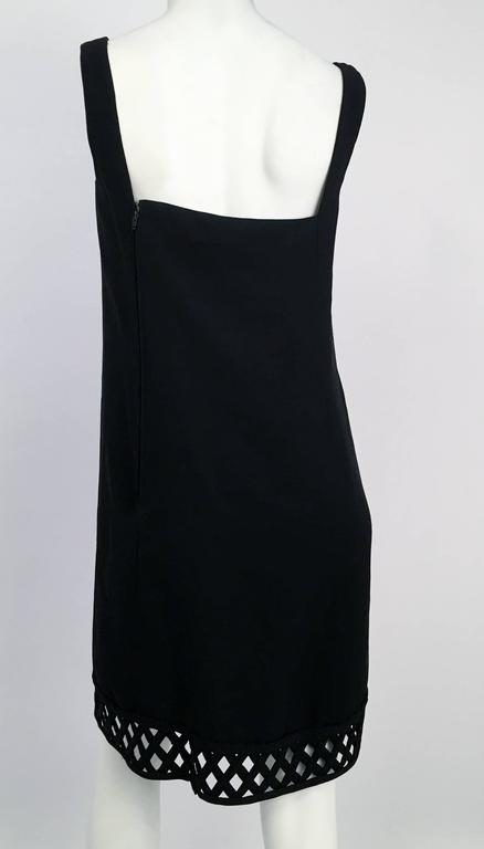 60s Gino Charles Black Crepe Lattice Detail Shift Dress In Excellent Condition For Sale In San Francisco, CA