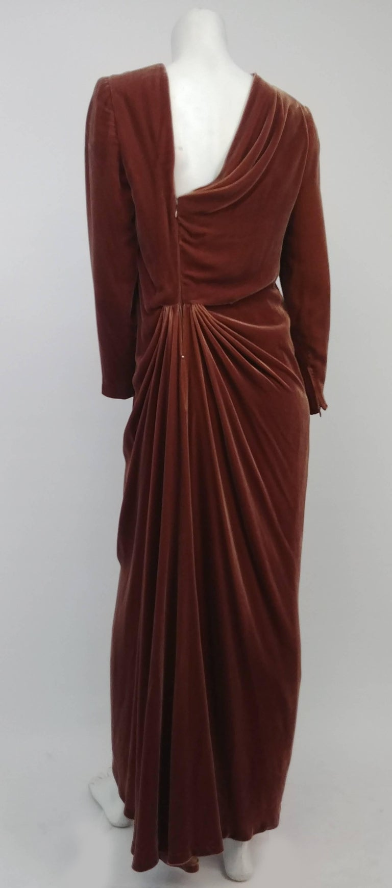 80s Oscar de la Renta Cognac Velvet Draped Evening Dress In Excellent Condition For Sale In San Francisco, CA