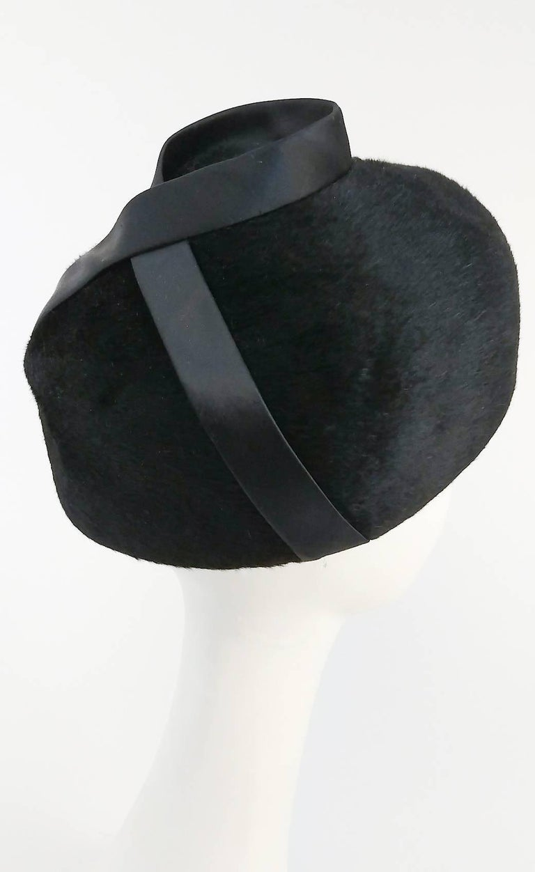 1960s Black Hat w/ Satin Ribbon In Excellent Condition For Sale In San Francisco, CA