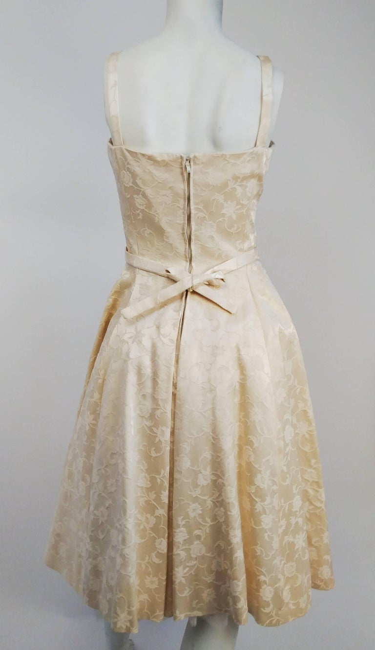 Women's 1950s White Jacquard Cocktail Dress For Sale