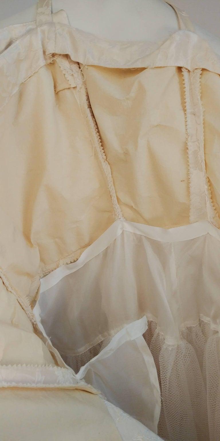 1950s White Jacquard Cocktail Dress For Sale 2