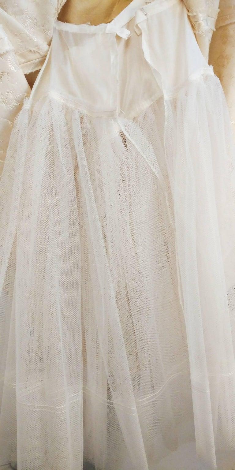 1950s White Jacquard Cocktail Dress For Sale 4
