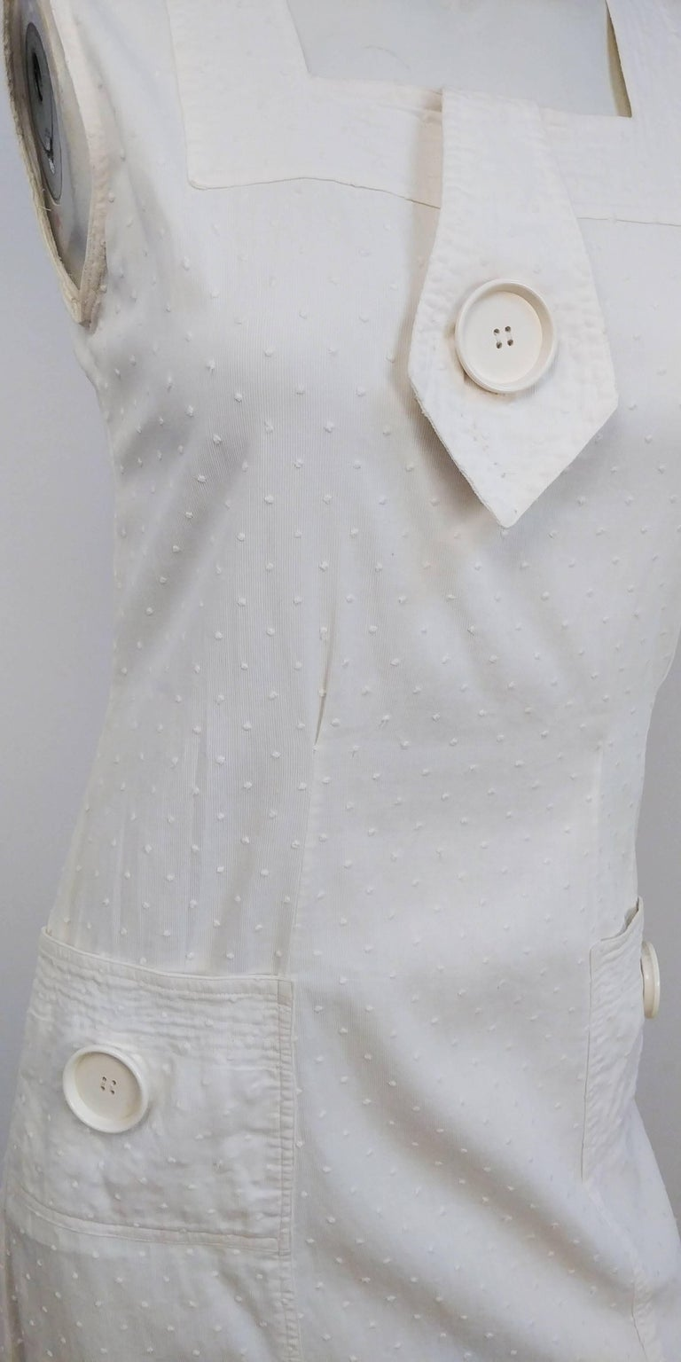 1920s White Swiss Dot Day Dress w/ Large Button Detail  In Excellent Condition For Sale In San Francisco, CA