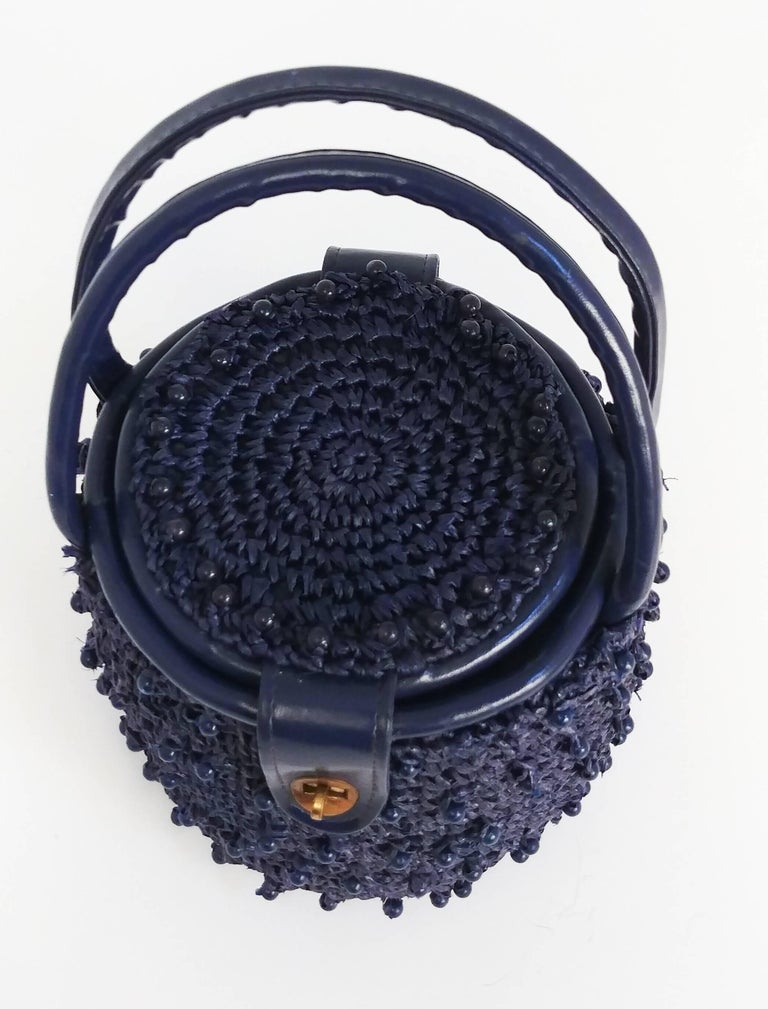 1960s Navy Raffia Woven Basket Purse In Excellent Condition For Sale In San Francisco, CA