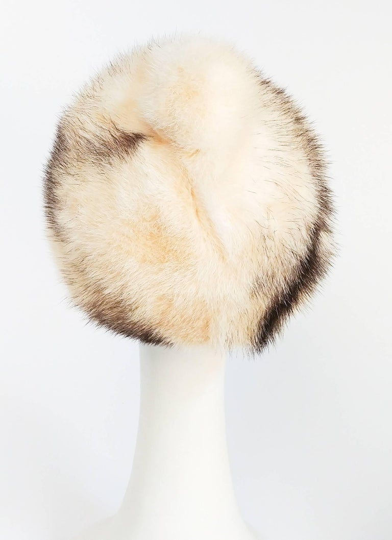 1960s Cream Cone Mink Hat In Excellent Condition For Sale In San Francisco, CA