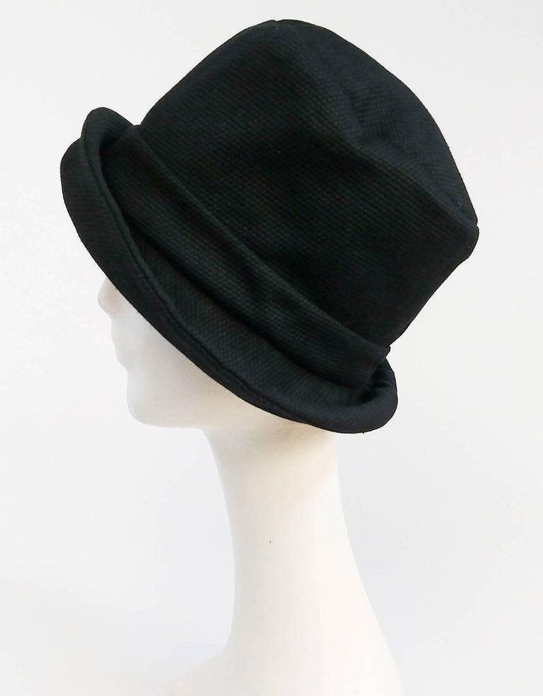 1960s Mod Black Pique Bucket Hat In Excellent Condition For Sale In San Francisco, CA