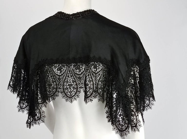 Victorian Black Beaded Battenburg Lace Mourning Capelet In Good Condition In San Francisco, CA