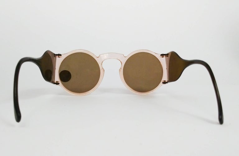 1930s Light Pink Round Celluloid Sunglasses In New Condition In San Francisco, CA
