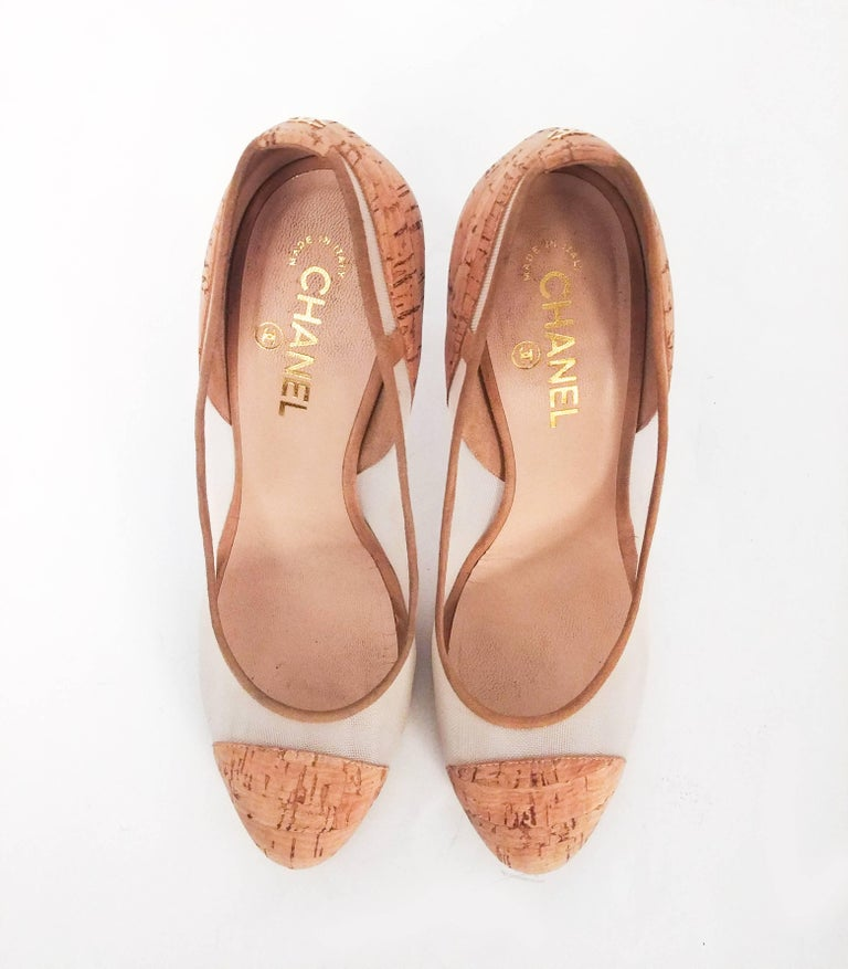 Chanel Cork Two Tone Pumps In Good Condition For Sale In San Francisco, CA