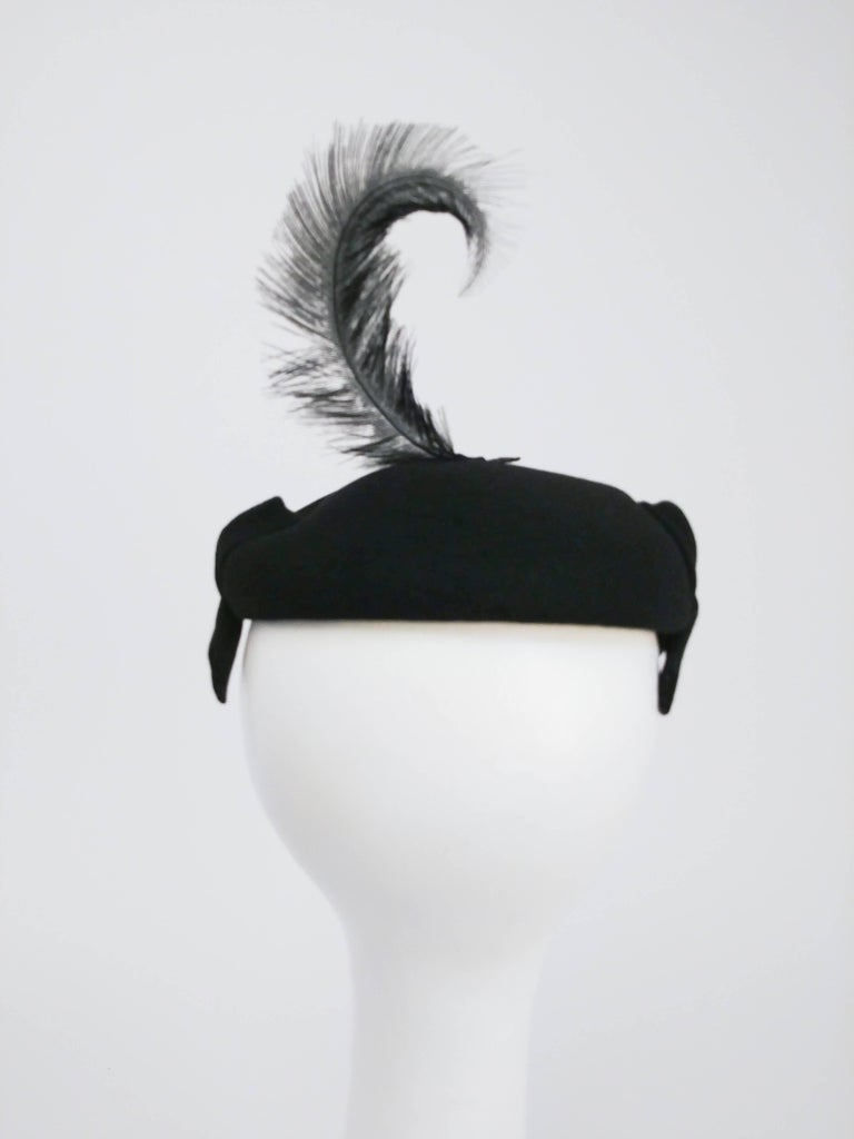 1950s Black Cashmere Felt Cocktail Hat In Good Condition For Sale In San Francisco, CA