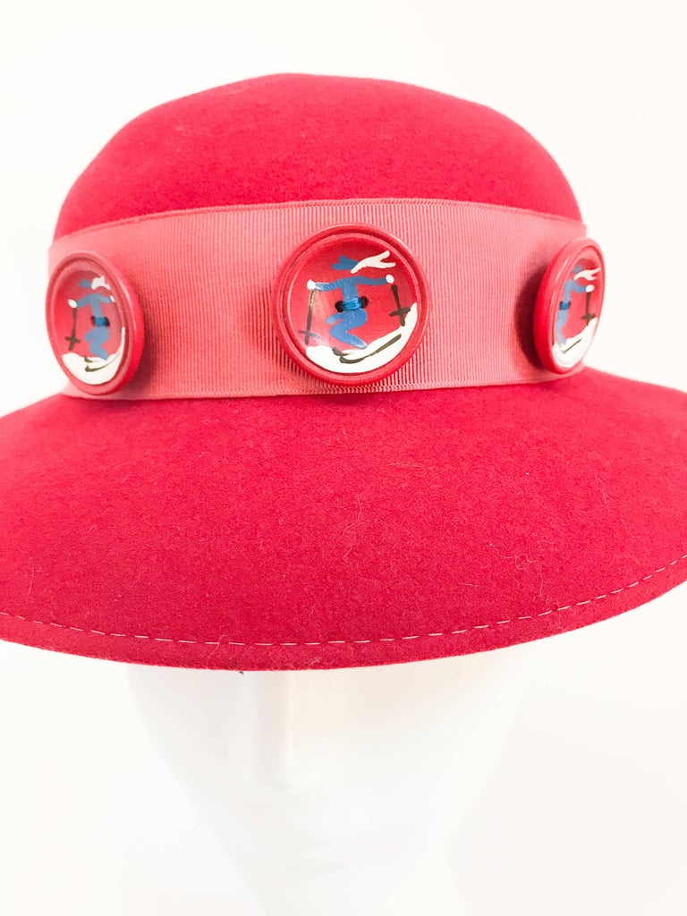 1930s Red Felt hat with Hand Painted Ski Buttons For Sale 2
