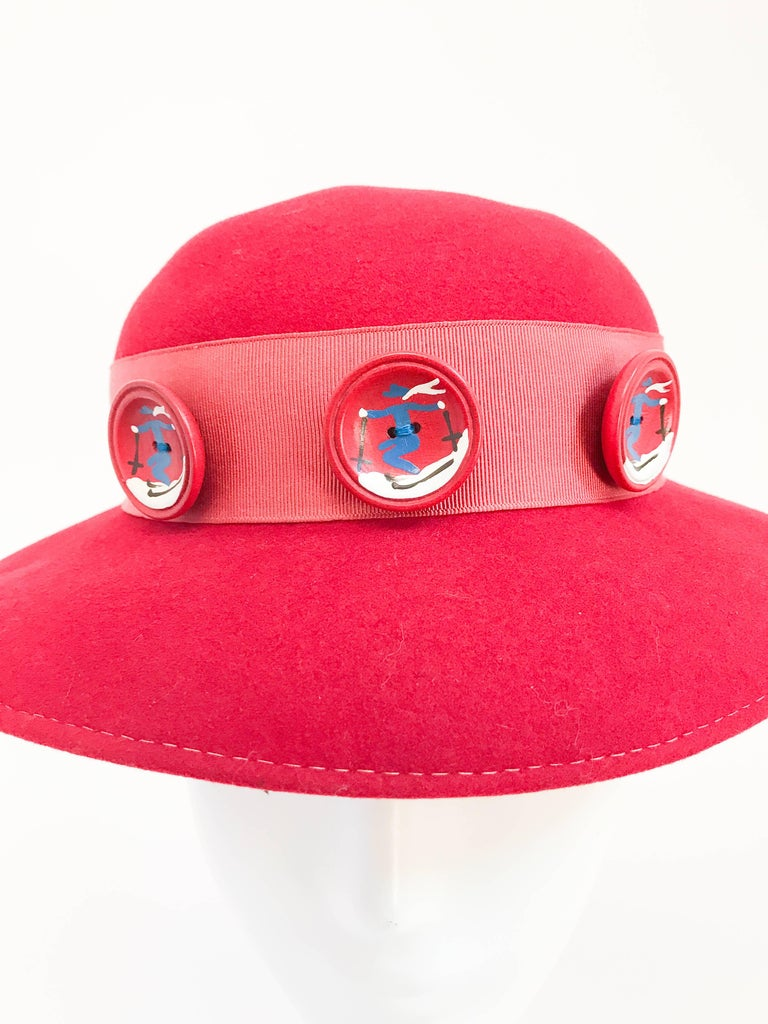 1930s Red Felt hat with Hand Painted Ski Buttons For Sale 3