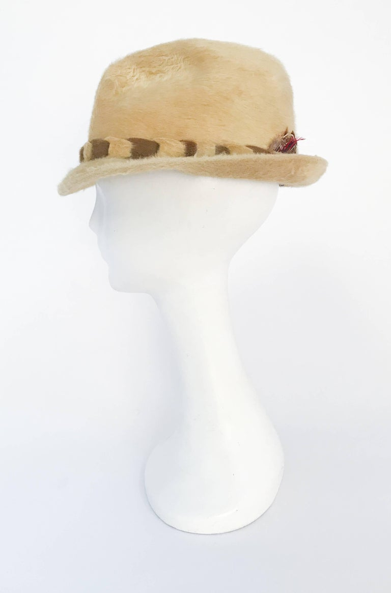 Women's or Men's 1960s Tan Beaver Felt hat with Two-Tone Band For Sale