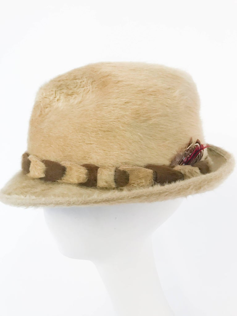 1960s Tan Beaver Felt hat with Two-Tone Band For Sale 1