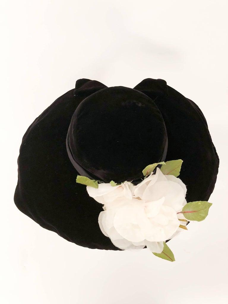 1950s Black Silk Velvet Picture Hat With White Silk Flower For Sale