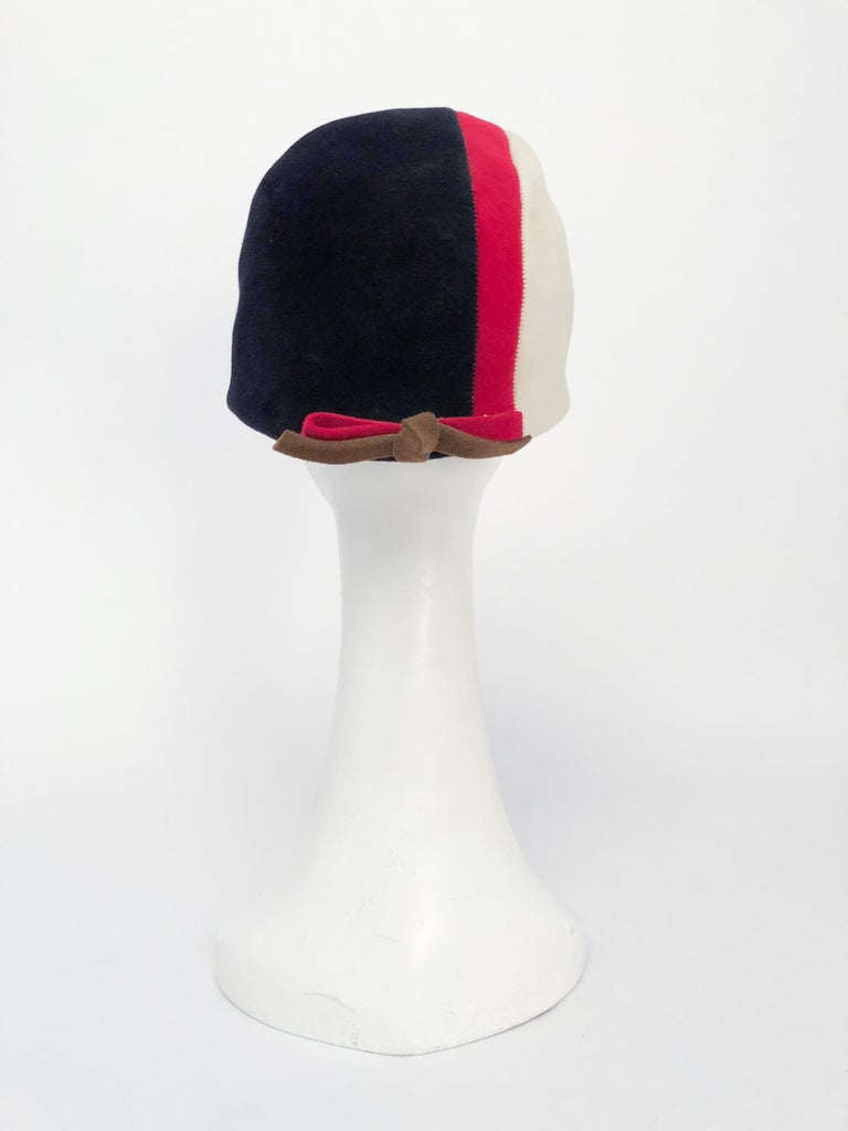 1960s Caroline Mod Hat With Geometric Pattern In Fair Condition For Sale In San Francisco, CA